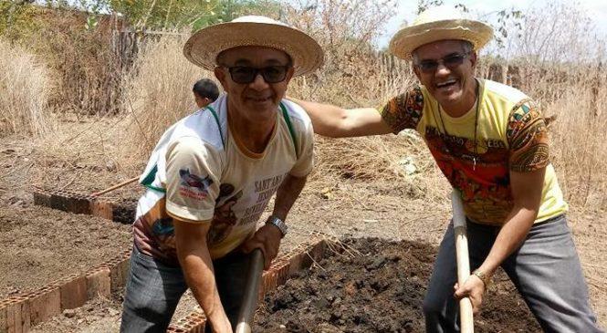 CEBs de Iguatu promovem oficinas sobre quintais produtivos