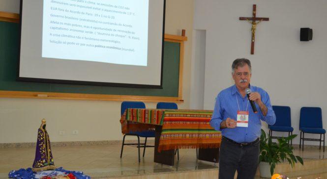 Um novo paradigma para análise de conjuntura. Pedro Ribeiro de Oliveira.