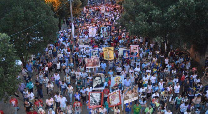 Milhares de pessoas participam da Romaria dos Mártires em Rondonópolis (MT)