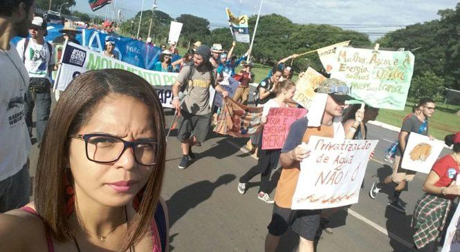 A luta pela água: direito ao acesso, sem nada pagar por ela!