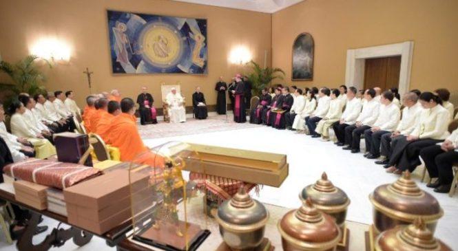 Papa Francisco: diálogo inter-religioso e colaboração. Palavras-chave nos dias de hoje.