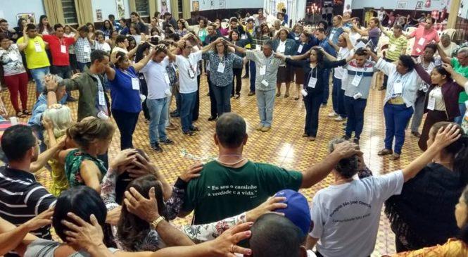 """Encontro Regional das  CEBs  em Minas. """"Comunidade: espaço de partilha e vida""""."""