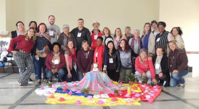 CEBI  PR Realiza Seminário de Leitura Feminista da Bíblia com Tea Frigério