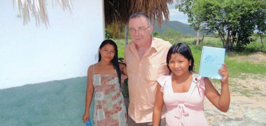 Revitalizar a lingua indígena, evangelizar recuperando a identidade dos povos.