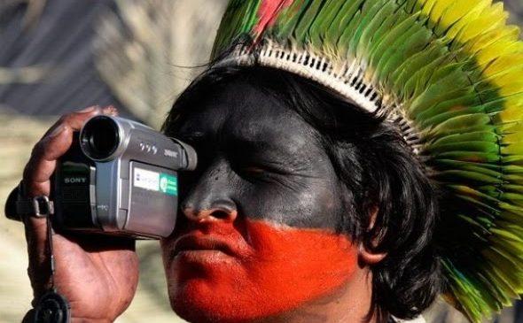 Comunicação na Amazônia: colocar o microfone para que os povos falem